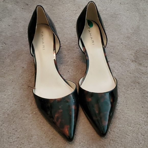 Tahari Shoes   Tortoise Shell Kitten